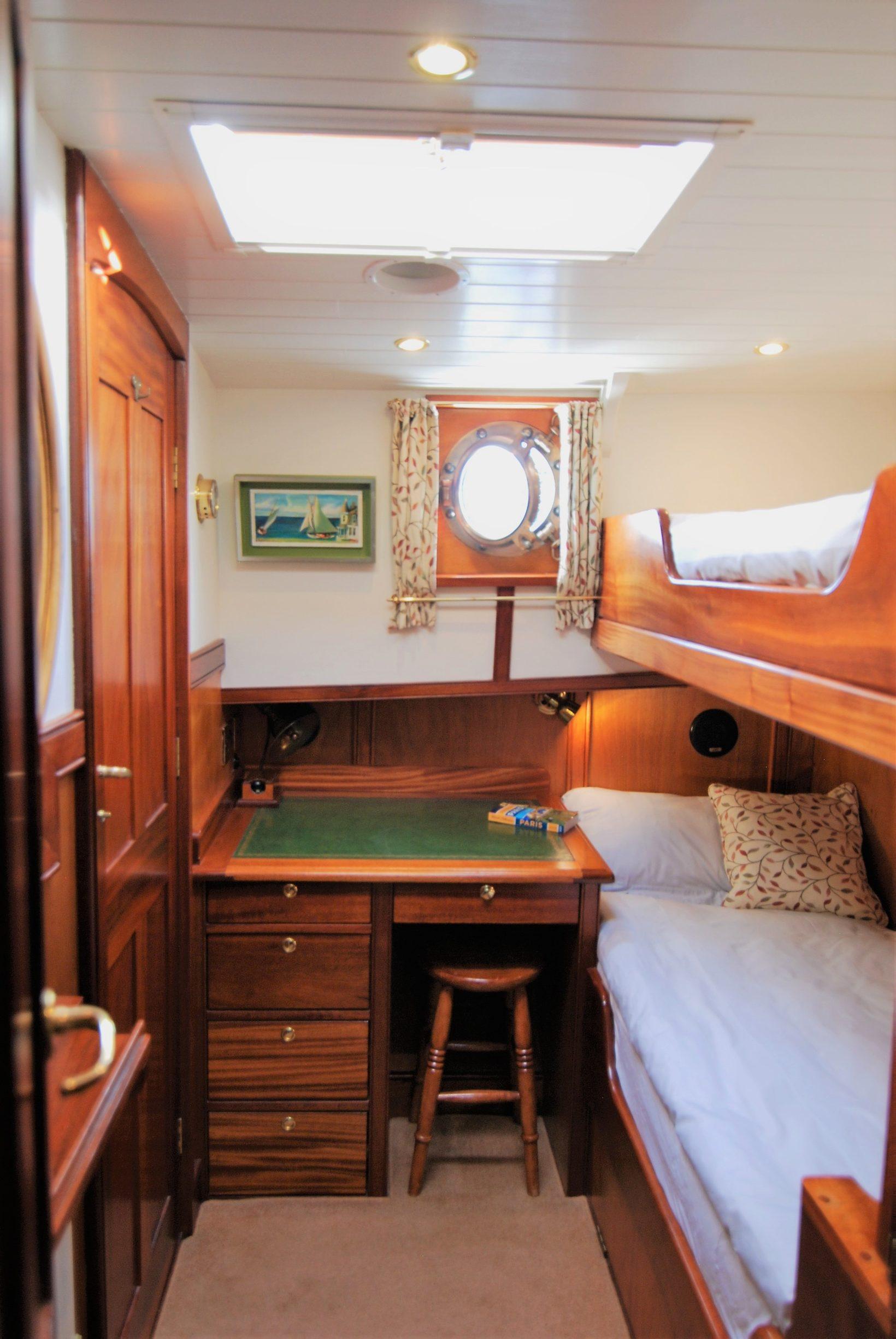 Twin Cabin with En-Suite