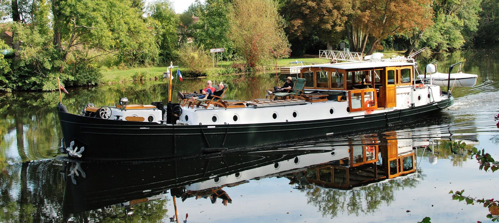 The Randle Cruising on the Yonne