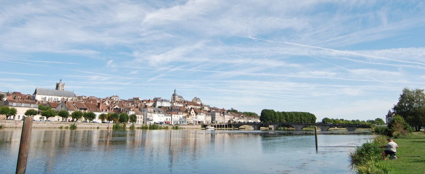 The River Yonne at Joigny