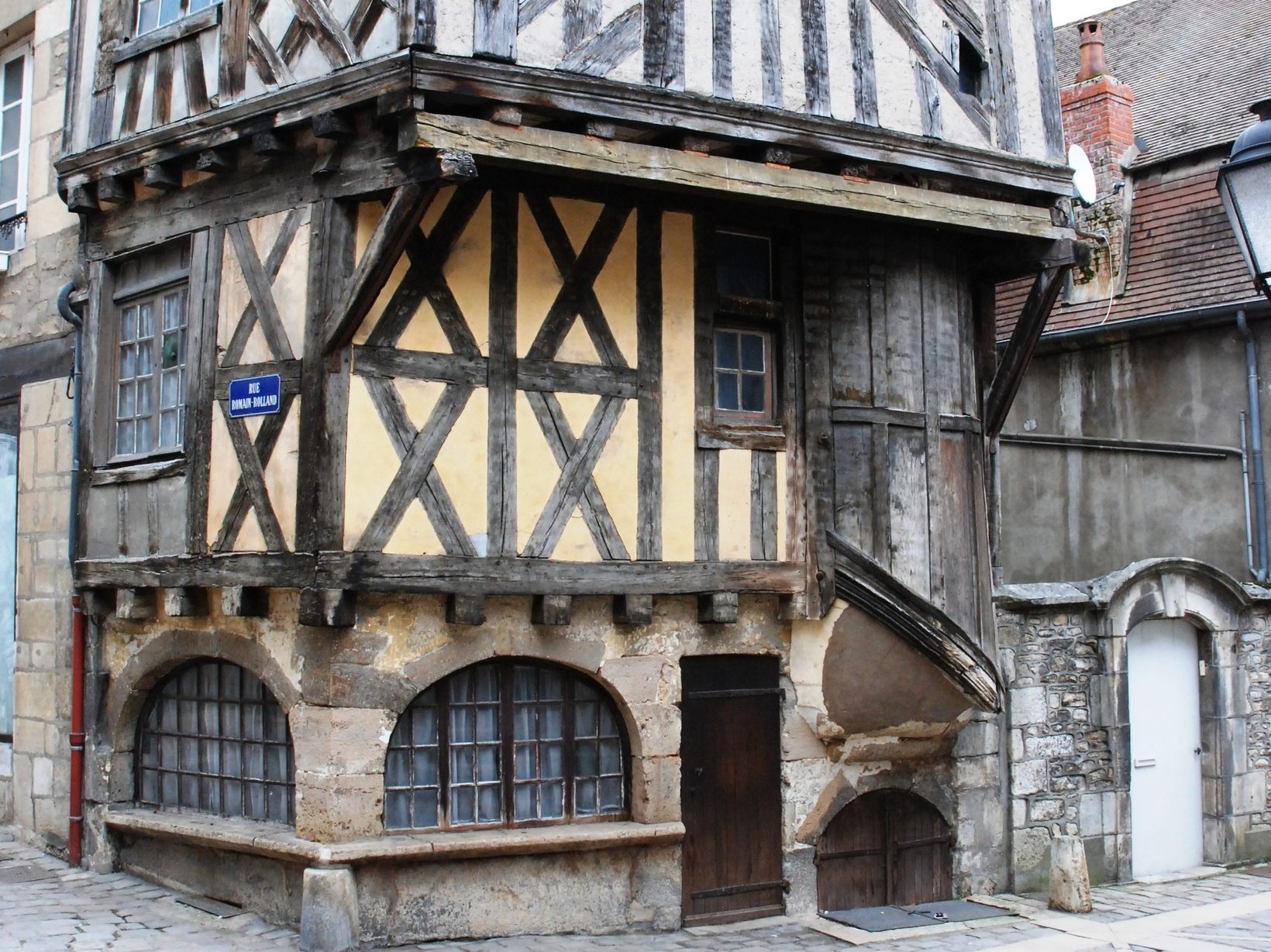 Clamecy 15c timber framed buildings
